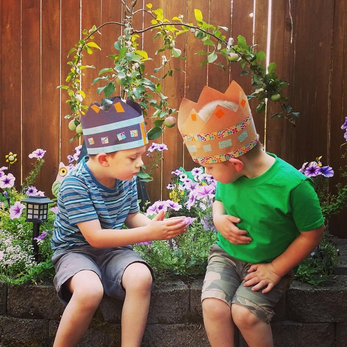 Crafts With My Boys: Paper Crowns